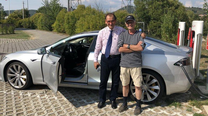 Met de Tesla naar Italië